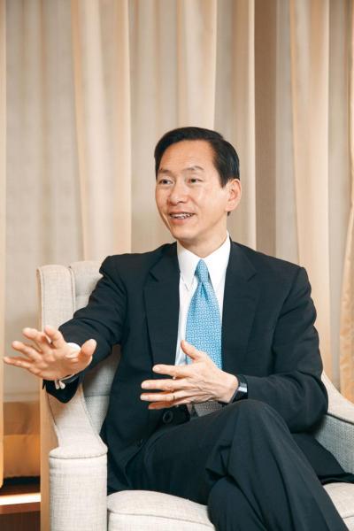 陳智思說,本港七成以上的股票交易量都來自內地。
