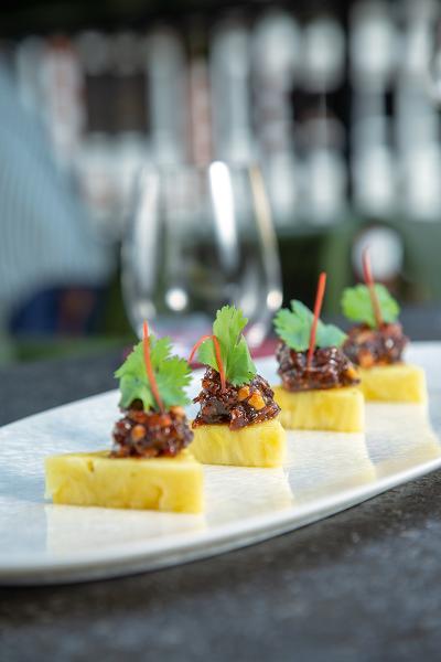 Ma hor是昔日的泰國皇室菜系,細細件夠精緻,一口咬下,口感清新獨特,讓人欲罷不能。