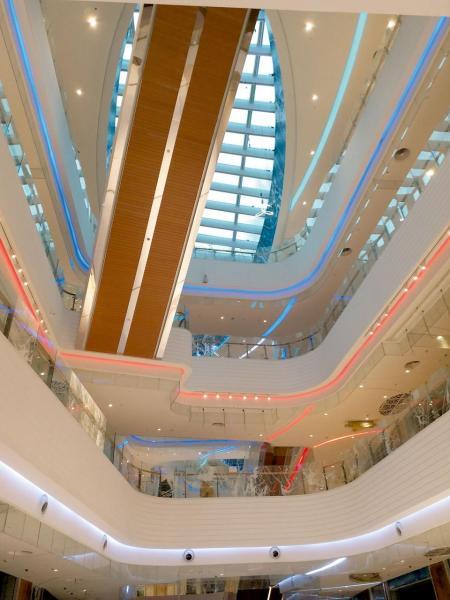 建造中的商場設計以海洋郵輪為主題。