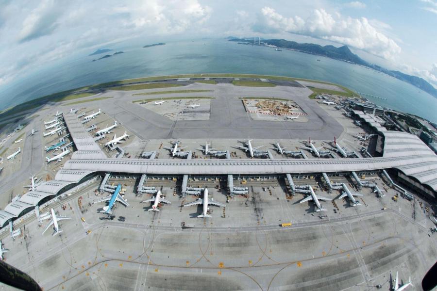 未來人口勢必急速增長,即使三跑落成,相信香港機場亦會很快飽和。