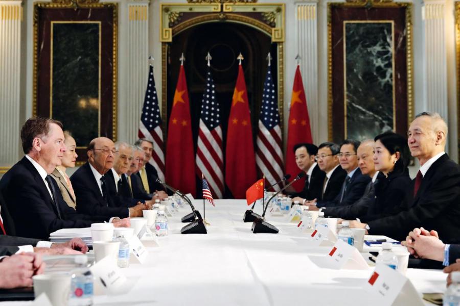 美國總統特朗普突然宣布,美國從5月10日起將2,000億美元中國商品關稅上調至25%,讓中美貿易談判再起暗湧。