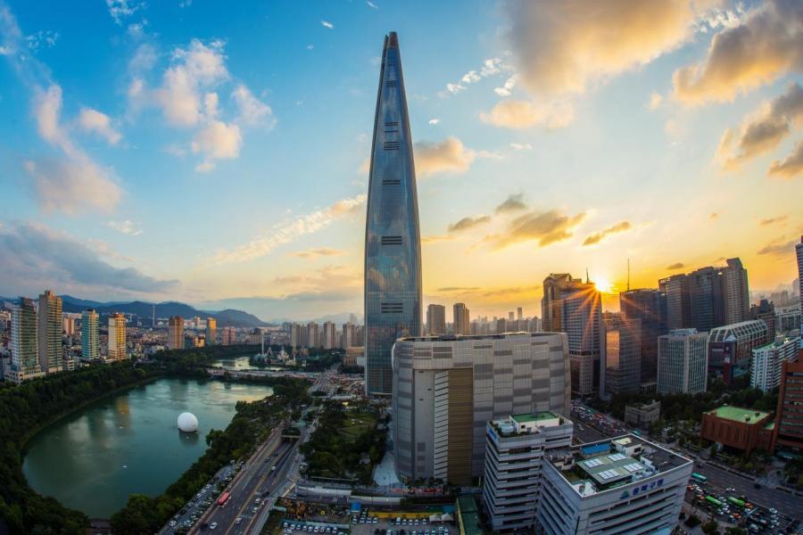 韓國經濟命脈掌握在數個大企業、財團手中,一旦經濟增長疲軟,市民受到的影響最大。