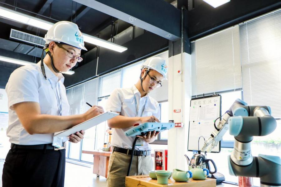 地方政府、企業和大學的通力合作,正是孕育機器人矽谷必要條件。