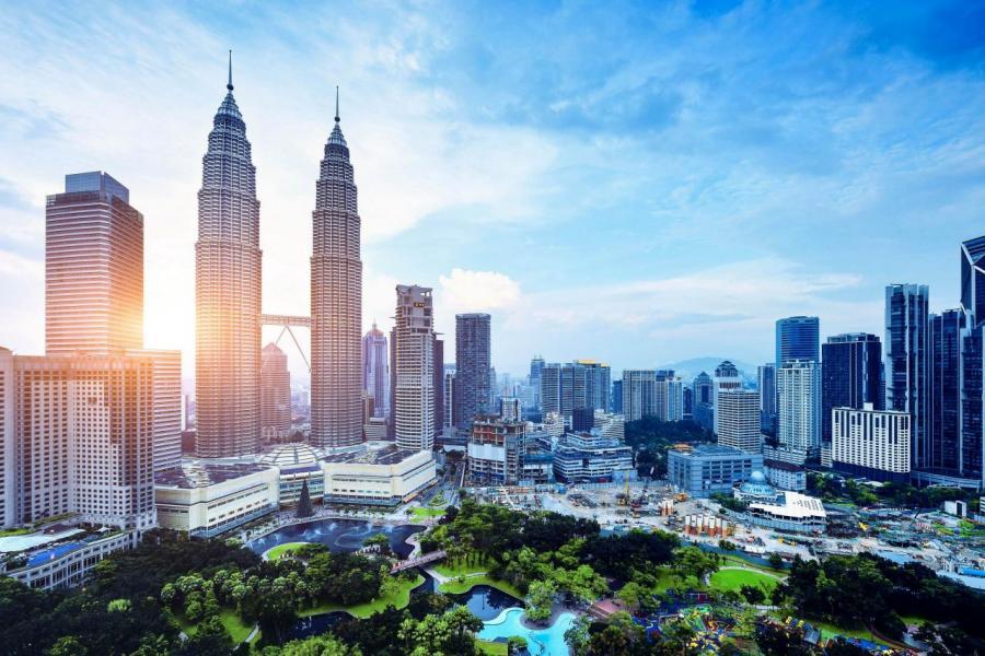 愈來愈多香港人選擇到吉隆坡、檳城、新山等地置業,當地的房地產價格大約為78萬至227萬元。