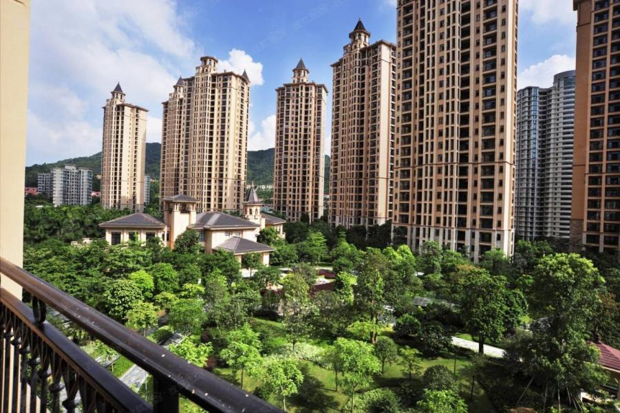 雅居樂約三成土儲位於華南灣區之內,屬大灣區概念股首選。