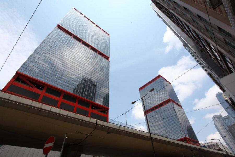金鐘遠東金中心高層全層,近日市場盛傳將以每方呎逾5.6萬元易手。