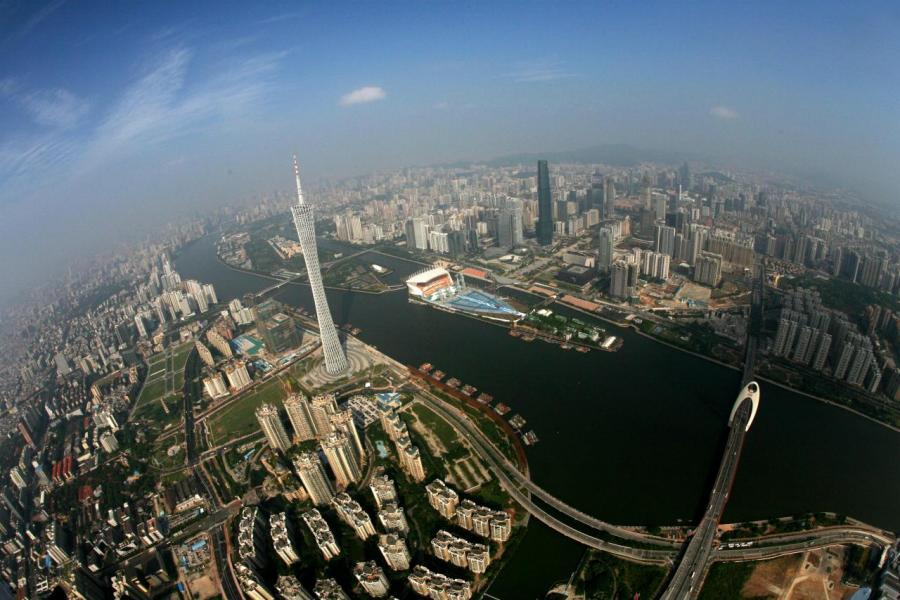 大灣區大計加快區內人才交流往來,廣州珠江新城CBD中每十個白領就有一位港澳籍人士。