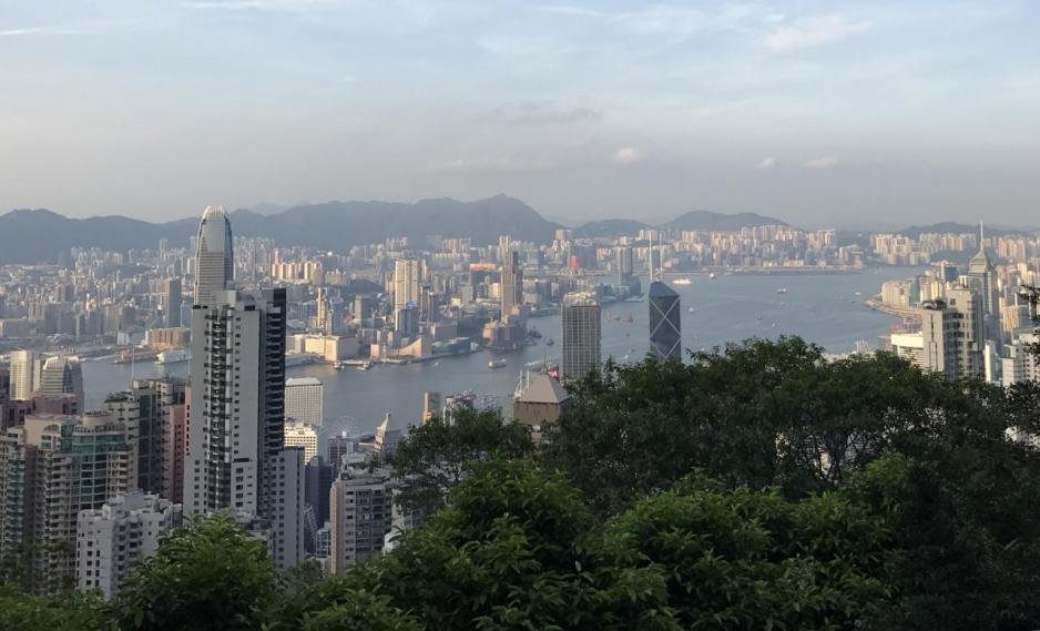 香港大灣區高質量發展上居於首位,反映香港實力。