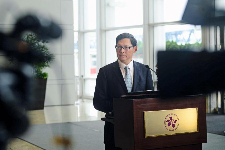 金管局總裁陳德霖在九月十七日宣布推出「轉數快」跨銀行電子支付系統,令本港電子支付服務踏前一大步。