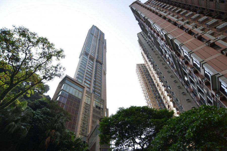 前亞洲樓王天匯的車位,分分鐘貴過你層樓。