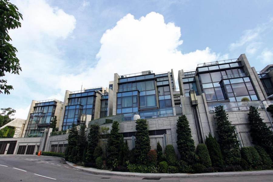 新地的TWELVE PEAKS 項目2號屋以近11.8萬元呎價沽出,屬項目同類戶型洋房新高價。