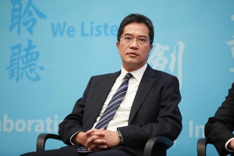 發展局局長黃偉綸指出今年首兩季的土地供應已達到本年度供應目標。
