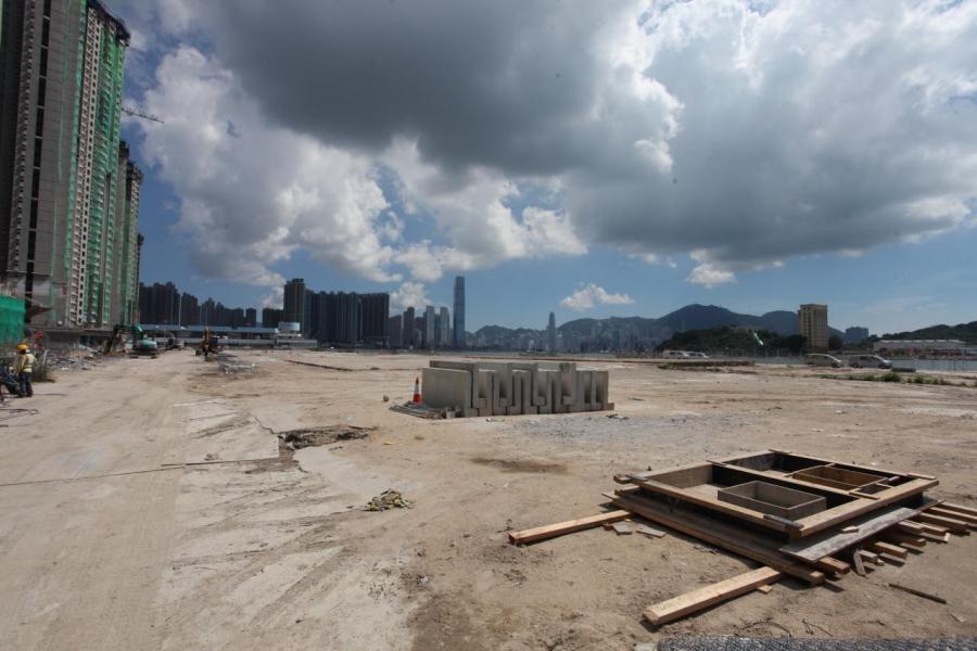 長沙灣興華街西對出的臨海住宅地估價達178億元,勢挑戰全港最貴的住宅地王紀錄。