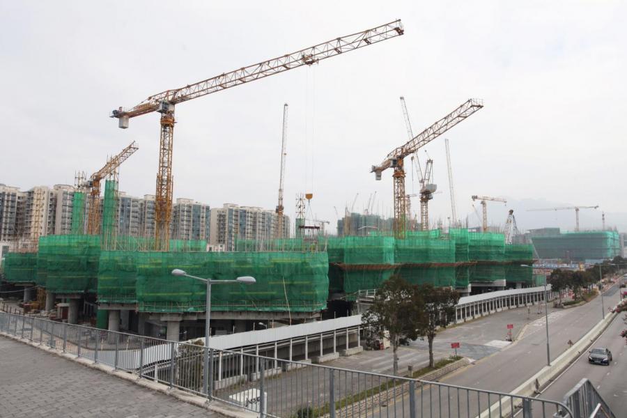 自林鄭上場後,政府加緊覓地建屋的步伐。