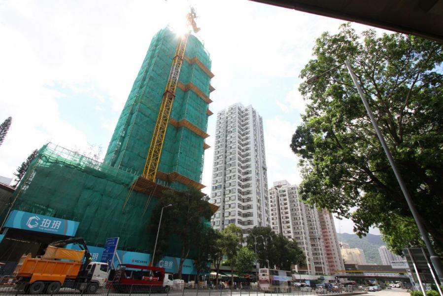 樓價下跌,市場人士料「納米樓」會首當其衝。