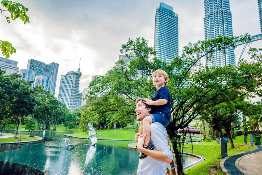 馬來西亞雖然沒有移民制度,卻有MM2H,家庭其中一個成員申請,全家享永久居留。