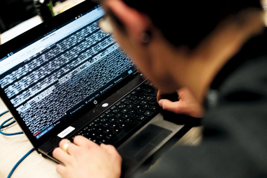 最近肆虐全球的勒索軟件WannaCry及Petya只是冰山一角,企業需明白到全面的防禦和偵測系統及網絡保安程序的重要性。