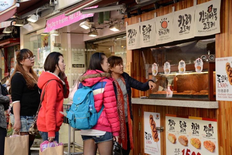 中國訪韓旅客大減,令南韓旅遊業收入大跌。