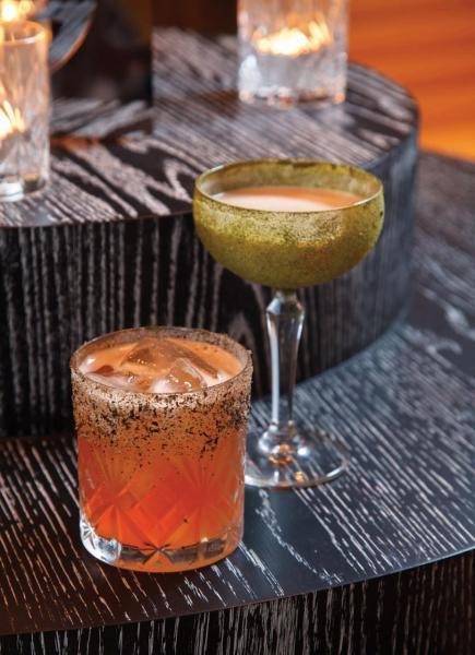 除了品茗外,餐廳亦供應多款糅合了中國茶的特色雞尾酒,推介有(左)13 Tiles及(右)Camellia Sinensis Colada。