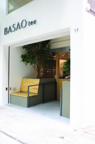 BASAO tea選址灣仔月街,鍾情其自成一角的謐靜小區風格。