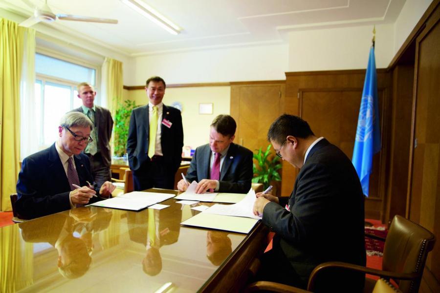 城大、清華與聯合國歐洲經濟委員會(UNECE)簽訂協議,推動「一帶一路」中PPP發展。