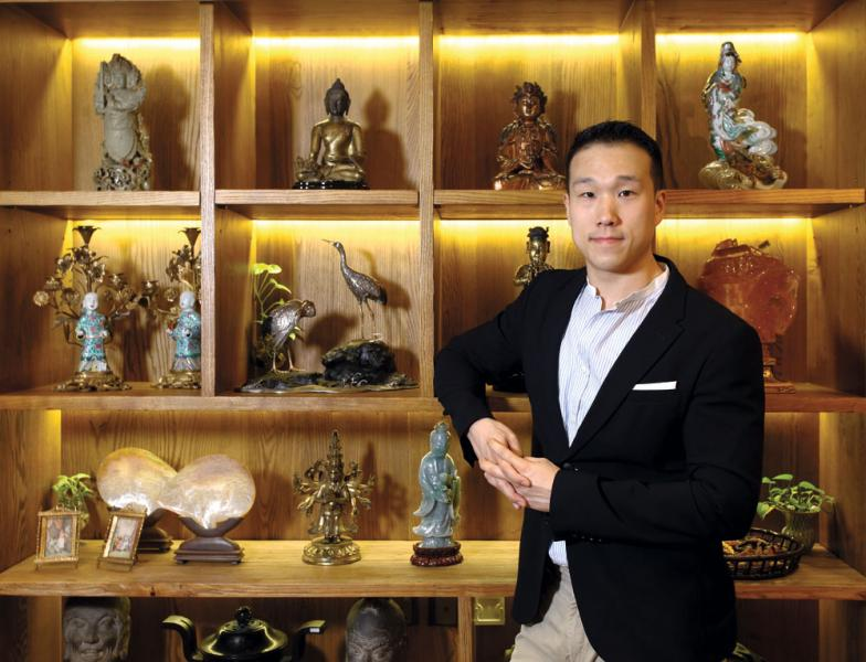香港永寶齋少主翟凱東曾從事金融,後來發現自己最愛仍是古董。