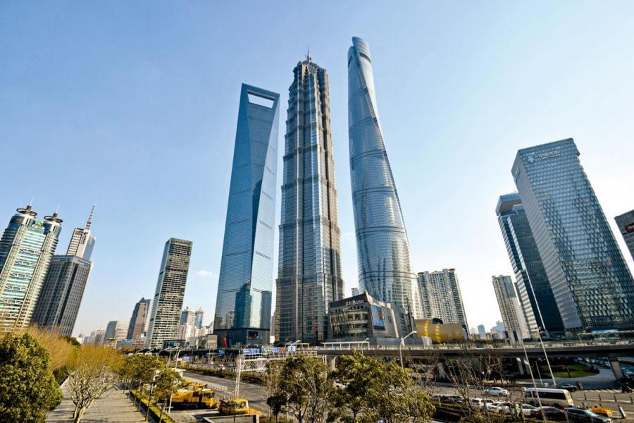 現時亞洲的經濟每年平均增長幅度達7%,高於西方國家,其中中國更是帶動地區增長的動力火車頭之一。