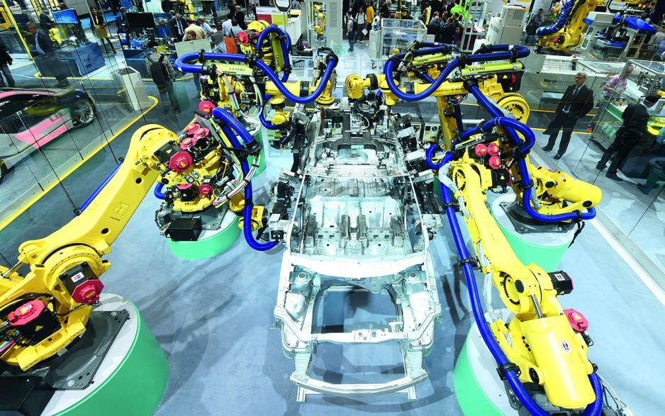 工業機器人未來將被普遍應用於各個生產領域。