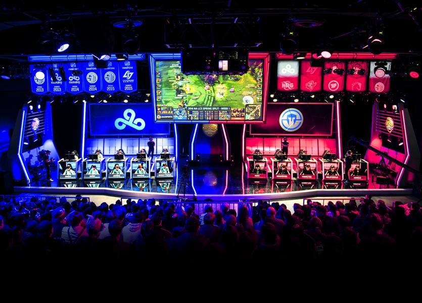 業者認為香港應增加電競場館。圖為美國的NA LCS Studio。