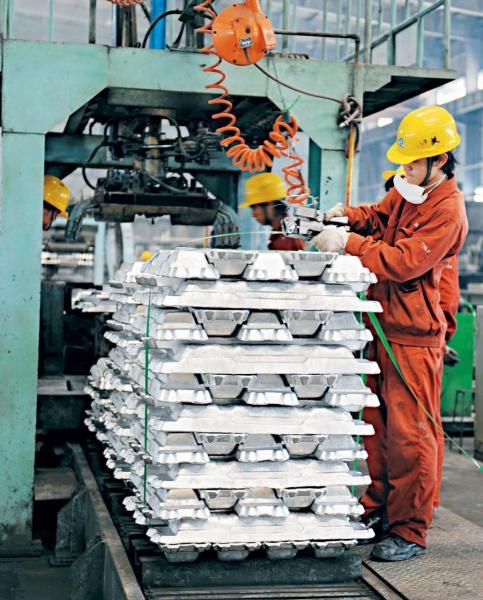 大灣區內部分城市正由工業經濟向服務經濟,香港可分享經驗之餘,並提供不同的服務。
