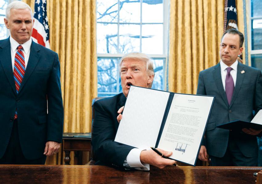 美國總統特朗普簽署備忘錄,對中國徵收關稅