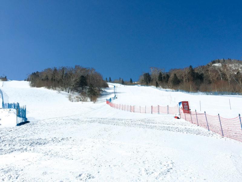 亞布力滑雪環境理想,國家訓練基地也設於此,那裡設備良好,公眾也可進來使用。