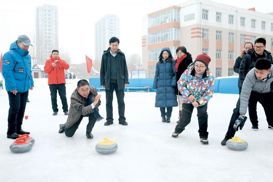 黑龍江雪鄉雪期長達七個月,以前屬人煙稀少荒地,現在國策要將之發展為金山銀山。