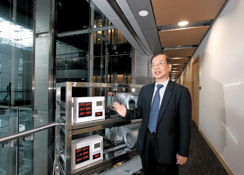 微電有限公司主席兼創辦人翟炳權表示,中小企可透過供應鏈為綠色金融作貢獻。