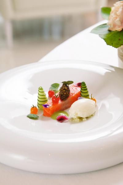 Hybrid caviar,petuna ocean trout 'confit':經過慢煮的澳洲鱒魚,鮮甜滑溜,魚油甘香豐富,伴以鹹香的法國魚子醬、薯仔濃湯醬汁、檸檬橄欖油造成的啫喱,味道極富層次。