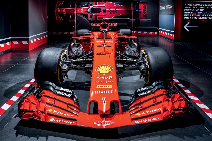在次序上,以法拉利SF71H賽車收尾,這是當今車隊成員Sebastian Vettel Kimi Räikkönen於上個賽季中駕駛的單座賽車。