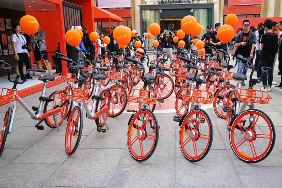 共享單車之前遍佈全城,泡沫正在爆破。