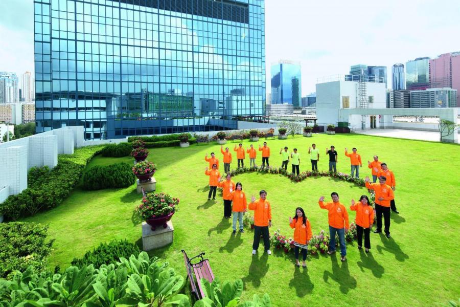 本港不少大型企業,在企業政策上已做了不少企業社會責任(CSR)的工作。