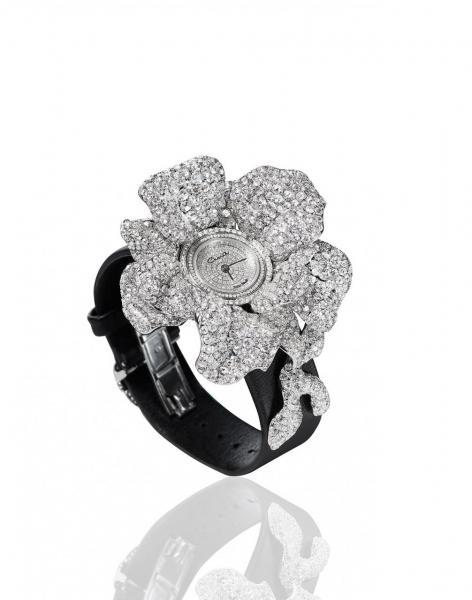 訂製鑽石腕錶,亦是品牌的著名產品系列之一。