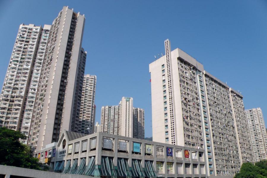 因自政府公布修改方案以來,已打沉市場上未補地價的公屋及居屋的轉售。