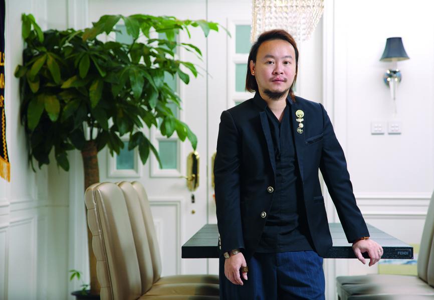 香港比華利山獅子會創會會長黎偉業博士推動慈善,不遺餘力。