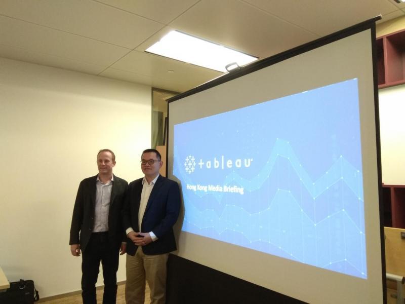 (左)Andrew Beers,Chief Tachnology Officer,Tableau及Tableau大中華區銷售總監葉松林