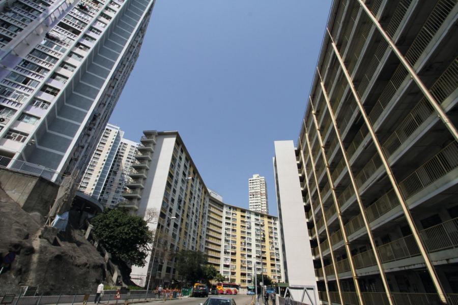 公營房屋增加,將會削弱私人市場對細價樓的需求。