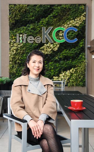 新地代理租務部總經理鍾秀蓮。