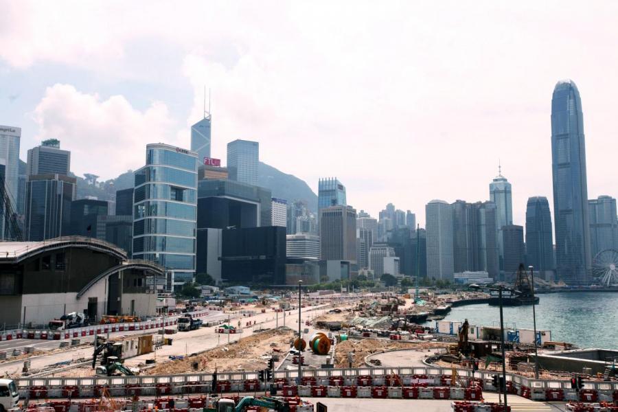 由於填海可提供龐大土地面積,據悉政府將採用多項安排以縮短施工的時間。