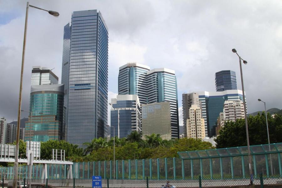 鰂魚涌、北角一帶已漸成為港島區新的商業金融中心。