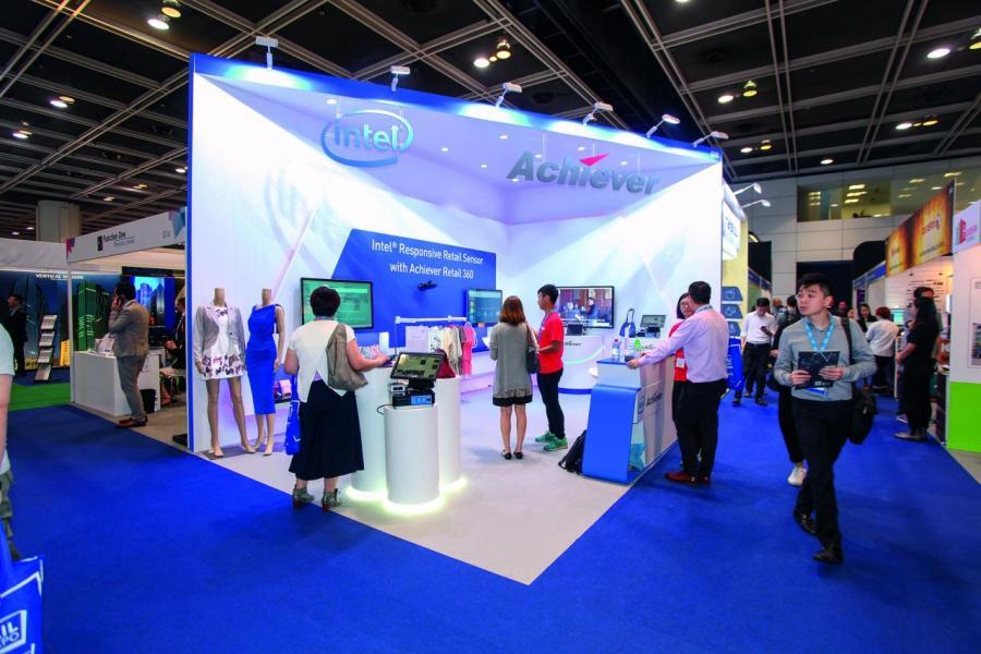 各大科技企業在展覽會內展示最新的零售科研產品。