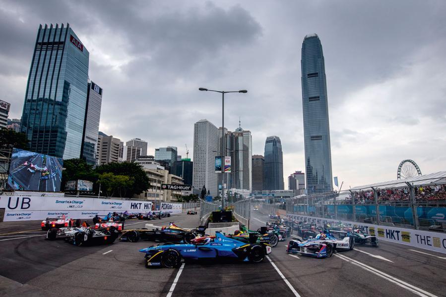 香港以獨特的城市景觀,再次舉行電動方程式賽車錦標賽。
