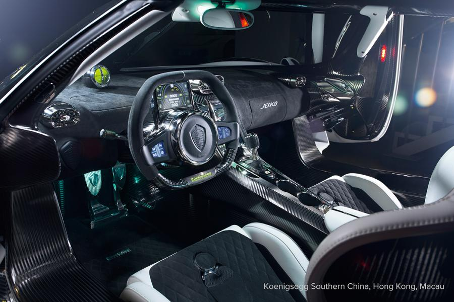 座艙空間寬敞,就算身型高大的駕駛者亦會感到舒適自在。