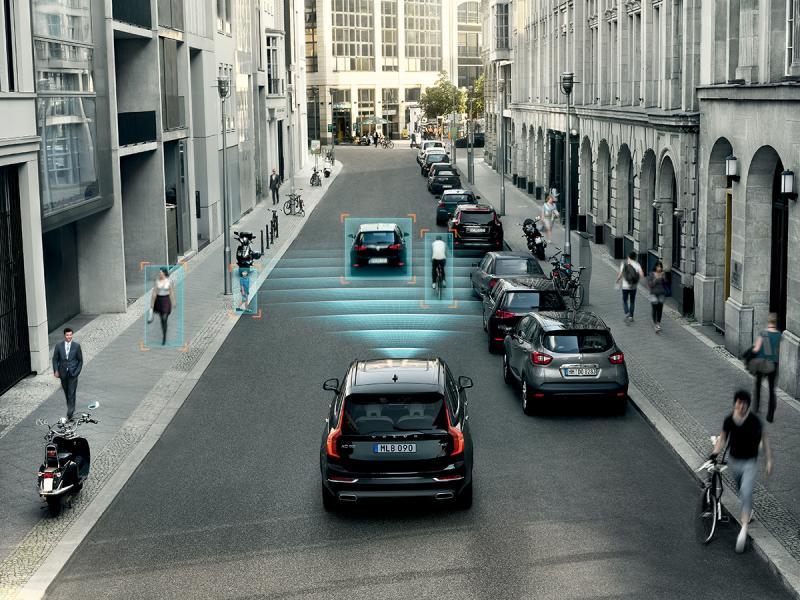 備有交通標誌資訊顯示功能,路面資訊一目了然。